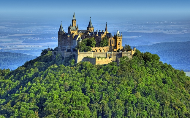 Beautiful-Hohenzollern-Castle
