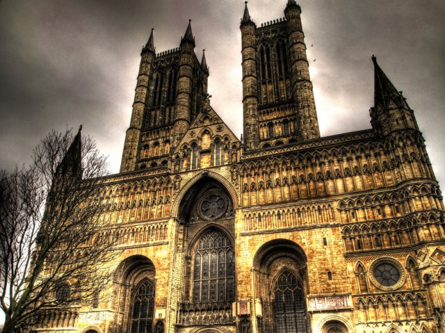 Lincoln_Cathedral_by_DBM92