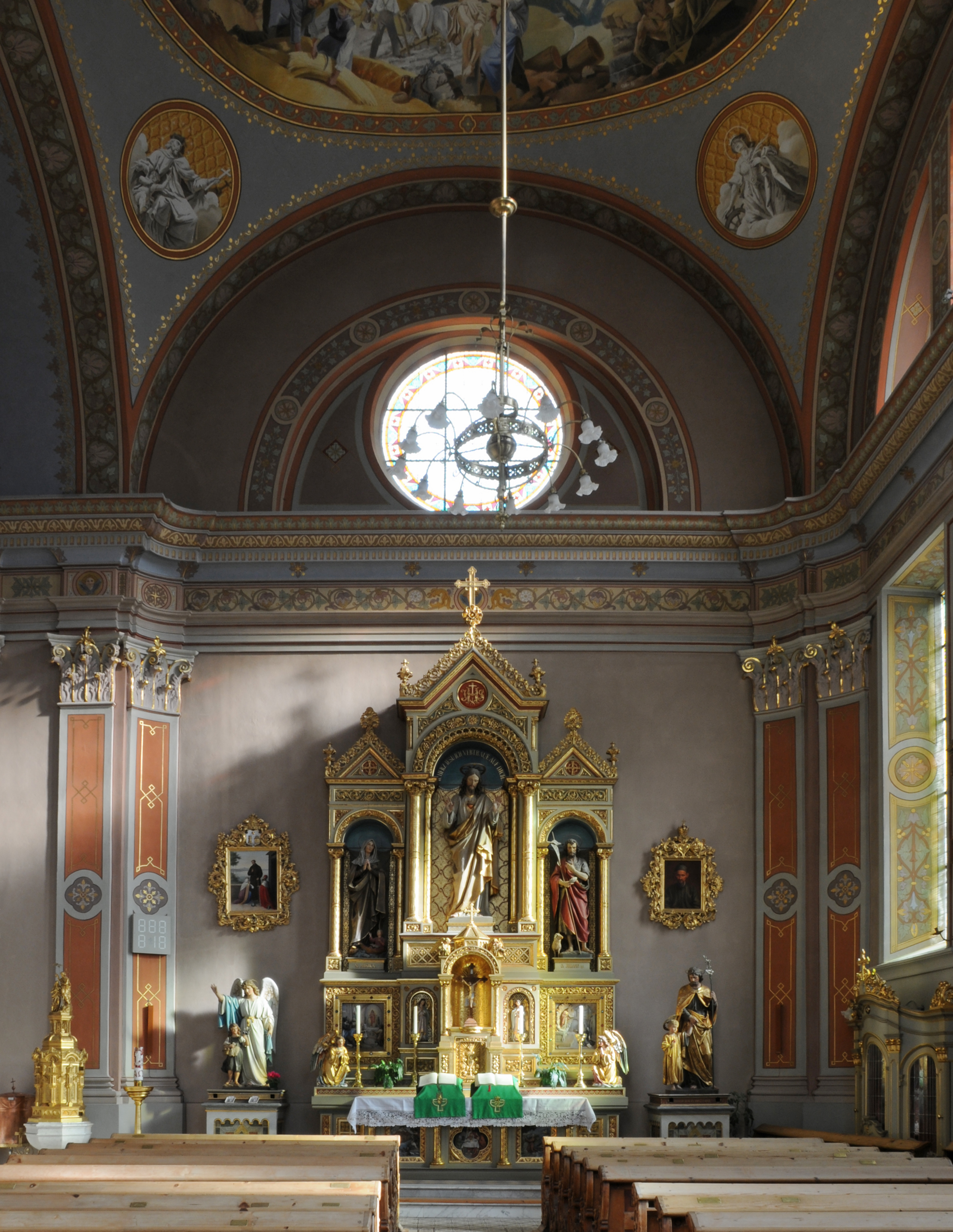 Parish_church_-_Sacred_Heart_chapel_Urtijei
